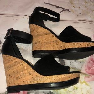 Marc Fisher Hillory Wedge Sandal 8.5 Black Cork